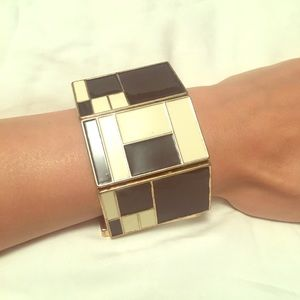 Jewelry - Black and cream colored geometric pattern bracelet